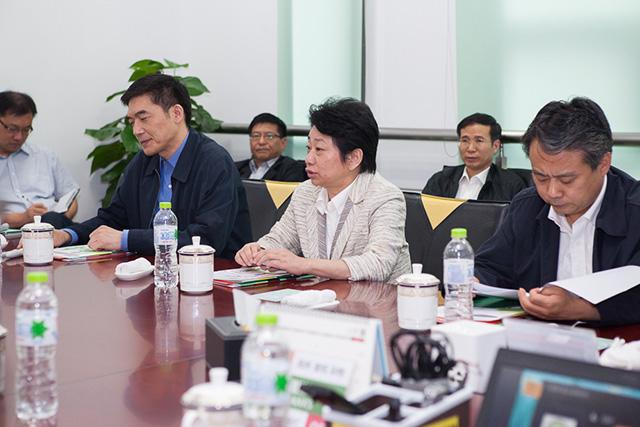 江苏省南京市市委书记黄莉新